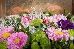 Herbstblumen aus dem eigenen Garten als Blumenstrauß