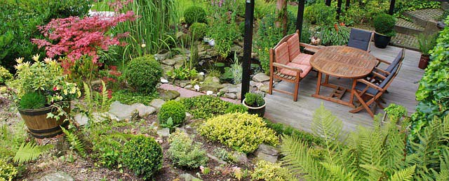 Die richtigen Gartenmöbel für mehr als eine Saison finden