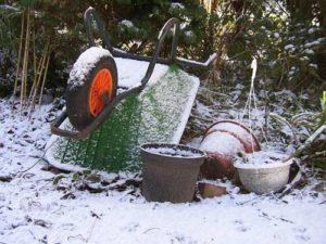 Gartengeräte sollten im Winter winterfest gelagert werden