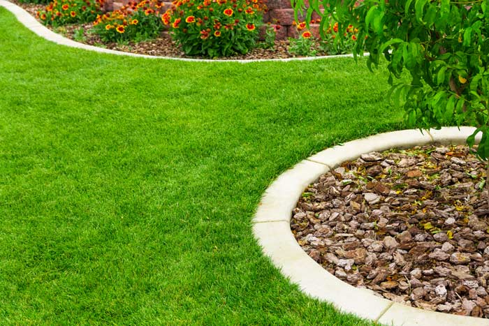 Saubere Rasenkanten sind der Wunsch jedes Gärtners
